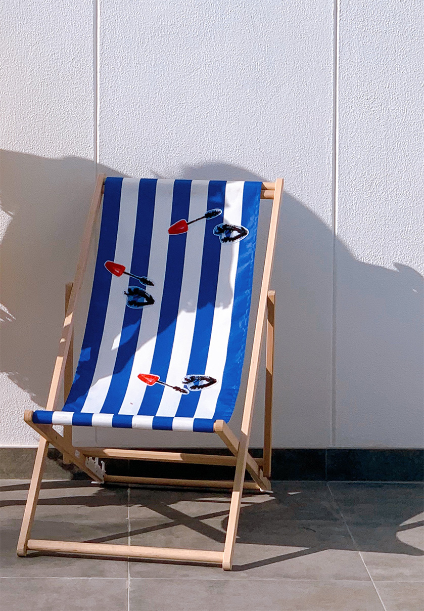 DECK CHAIR BLUE WHITE STRIPE