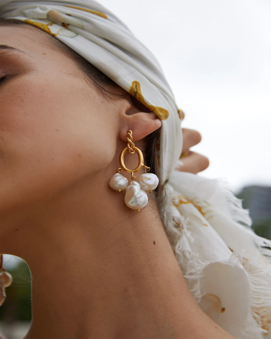 IVY EARRINGS GOLD AND PEARL