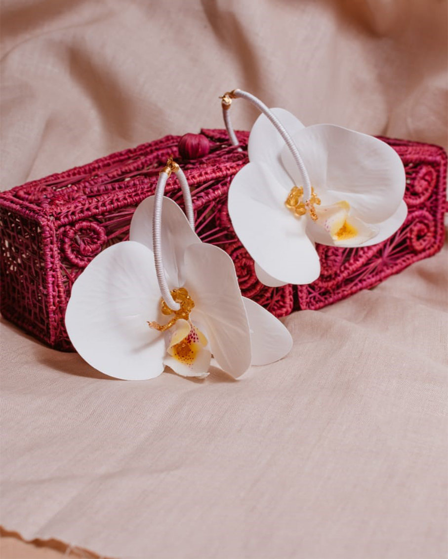 ORCHID FLOWER HOOP EARRINGS_WHT AND YLW