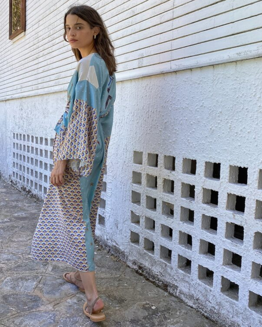 ARROW PRINT KIMONO WITH BELT AND WIDE SLEEVES MULTI COLOR