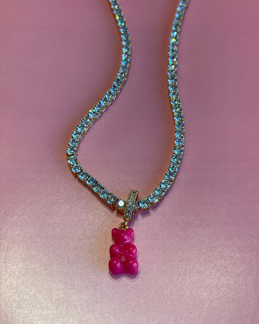 SERENA CLEAR CHAIN WITH HOT PINK NOSTALGIA BEAR PAVE CONNECTOR DETAILS