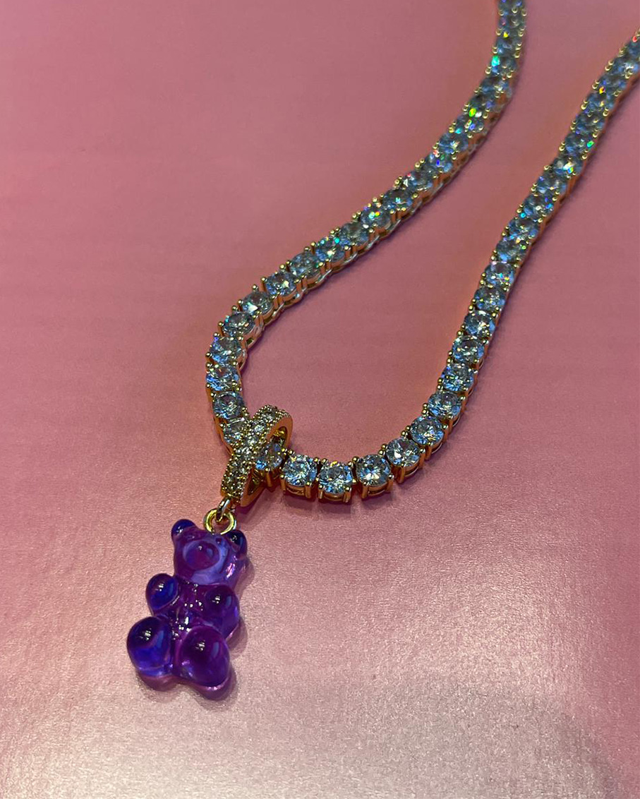 SERENA CLEAR CHAIN WITH PLUM BEAR PAVE GUMMY CONNECTOR