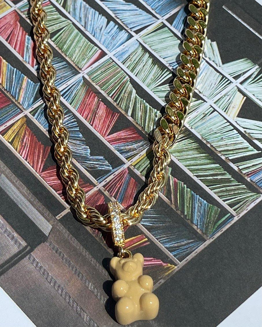 PAZZO CHAIN GOLD WITH SALT CARAMEL BEAR