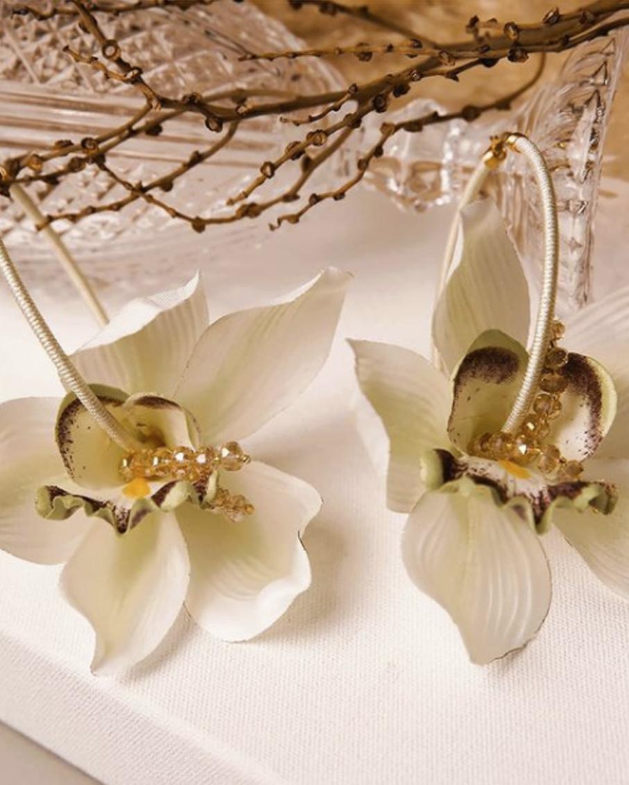 ATALI_LILIES FLOWER HOOP EARRINGS_ LIRIOS BONE WHITE