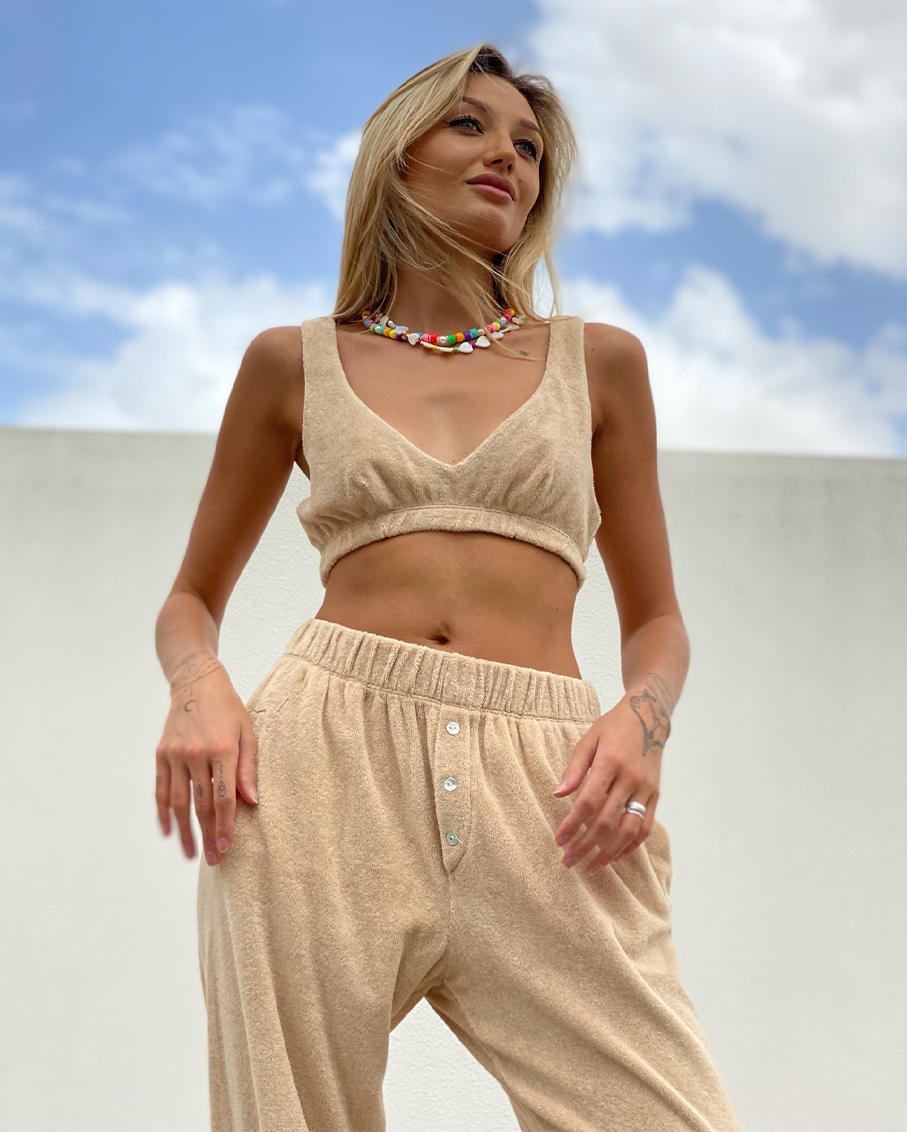 TERRY BRALETTE WITH THICK STRAPS WITH TERRY HENLEY SWEATPANT SET LATTE