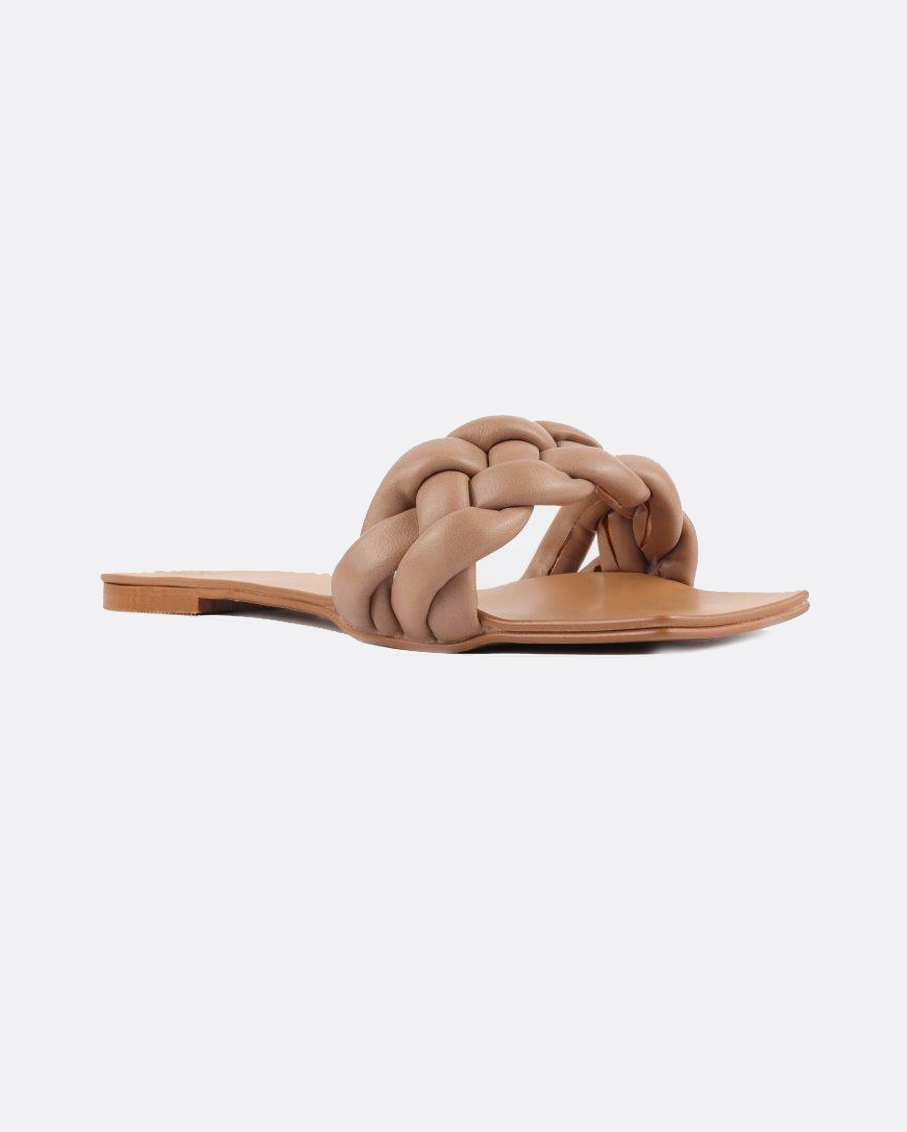 A HAND BRAIDED STRAPS FLATS WITH A SQUARE TOE_BEIGE